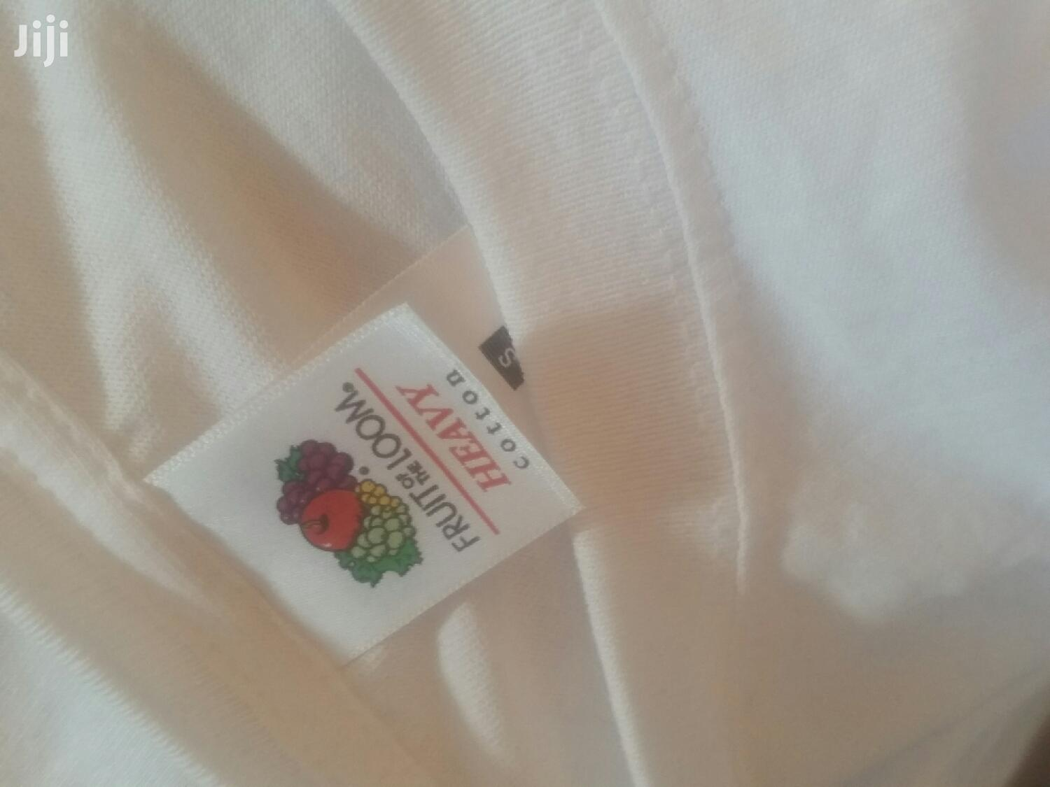 T Shirts Plain Fruit Of Loom Round Neck T Shirt | Clothing for sale in Okponglo, Greater Accra, Ghana
