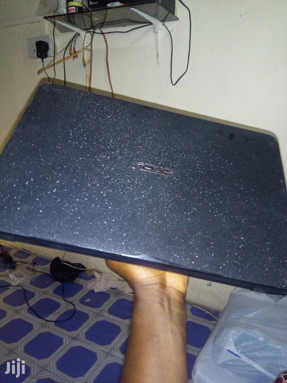 Laptop Asus X555LA 4GB Intel Core i3 HDD 1T