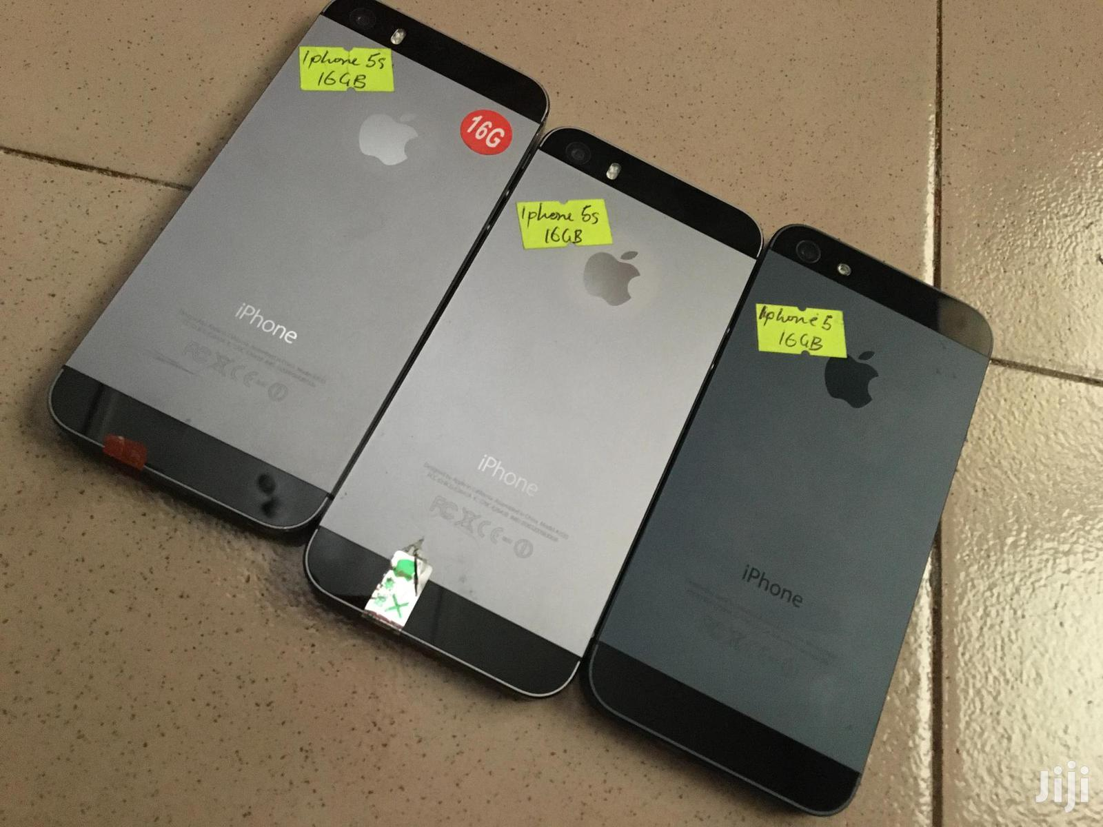 New Apple iPhone 5s 16 GB Black