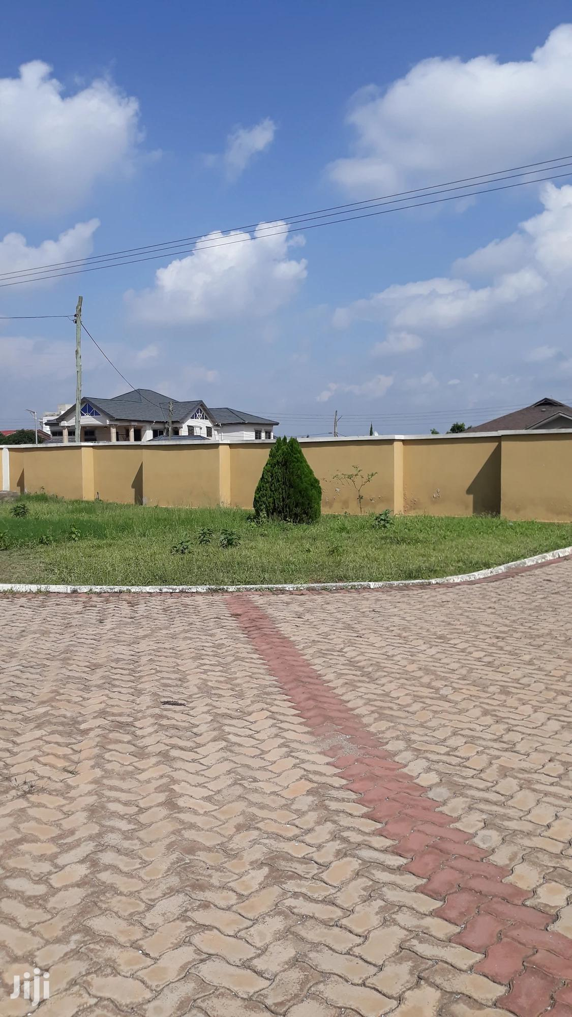 Archive: Beautiful House With Big Compound In Kumasi