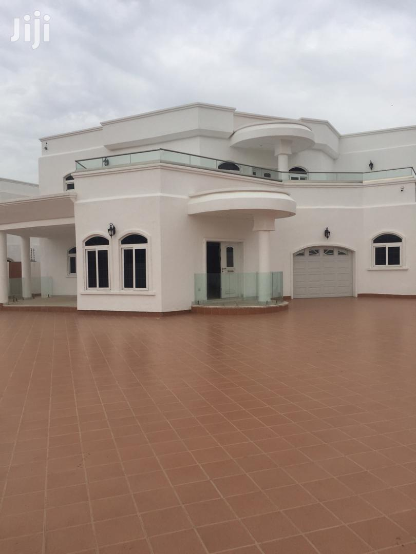 Exe 5bedrooms House For Sale