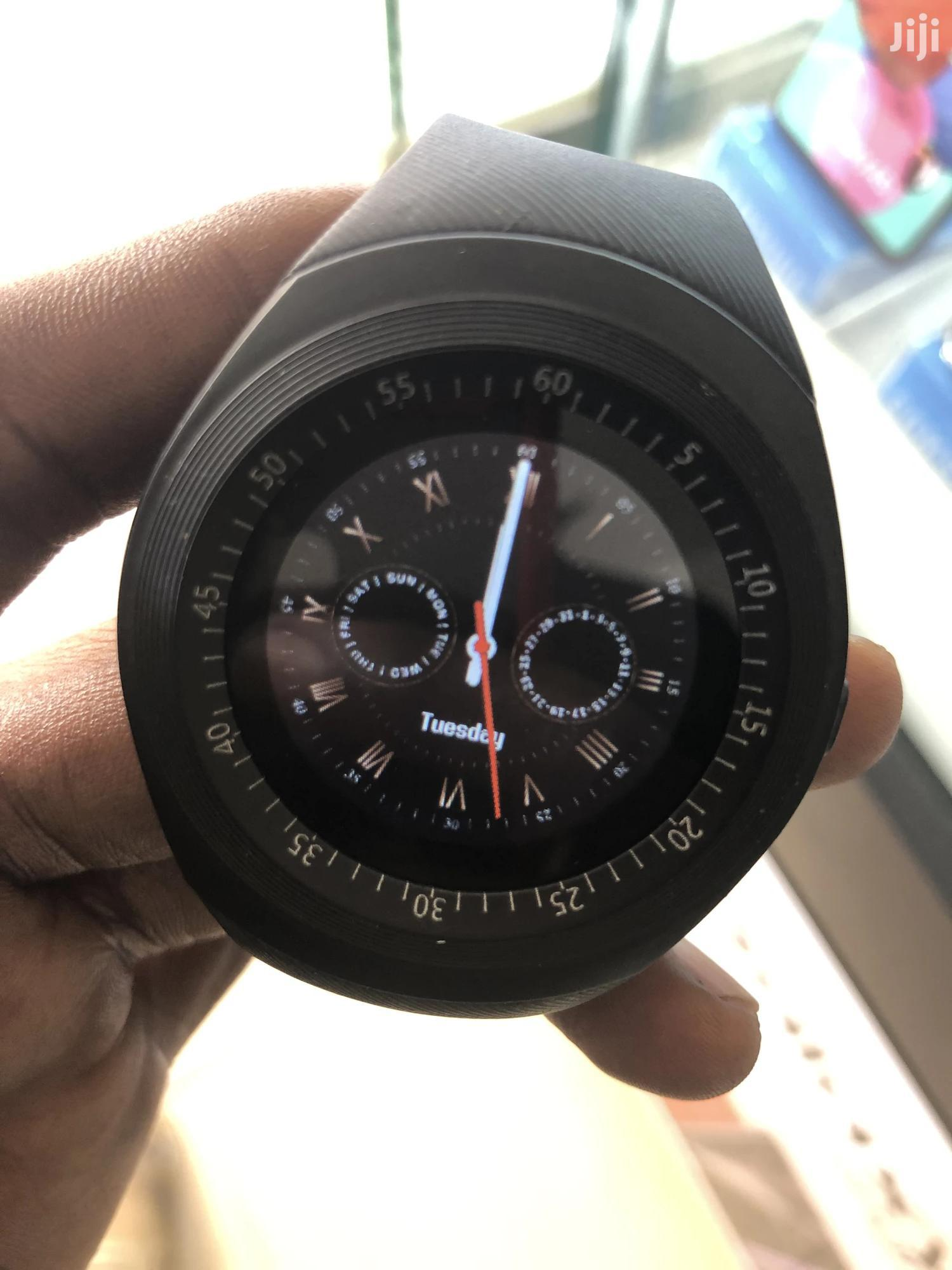 Round Face Smart Watch Phone With Memory Card Support