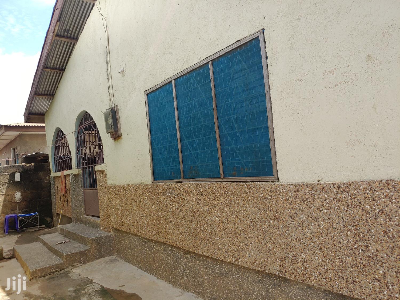 4 Bedrooms 1 Hall House Forsale At Kumasi - Meduma Abass Area
