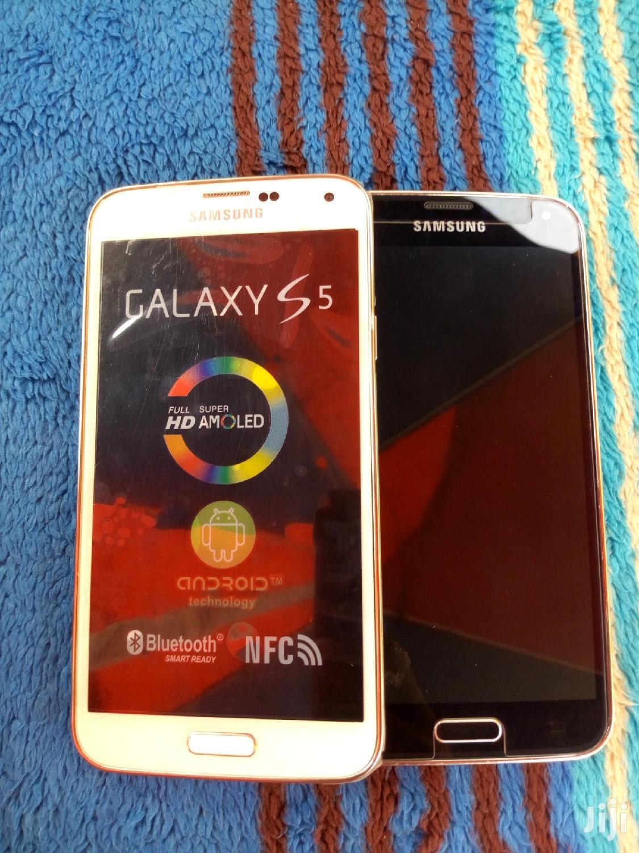 Archive: New Samsung Galaxy S5 16 GB White