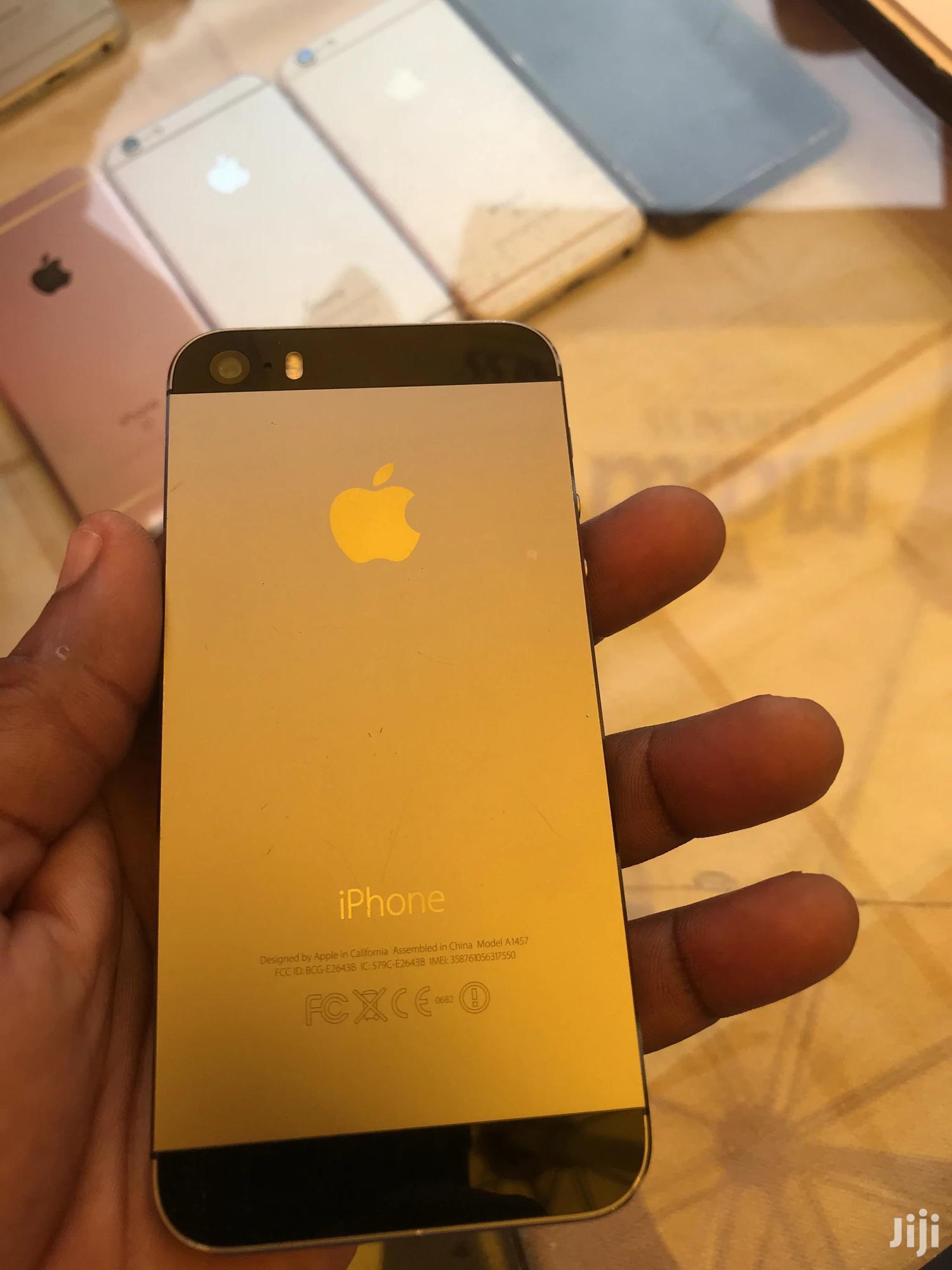 Apple iPhone 5s 16 GB Black