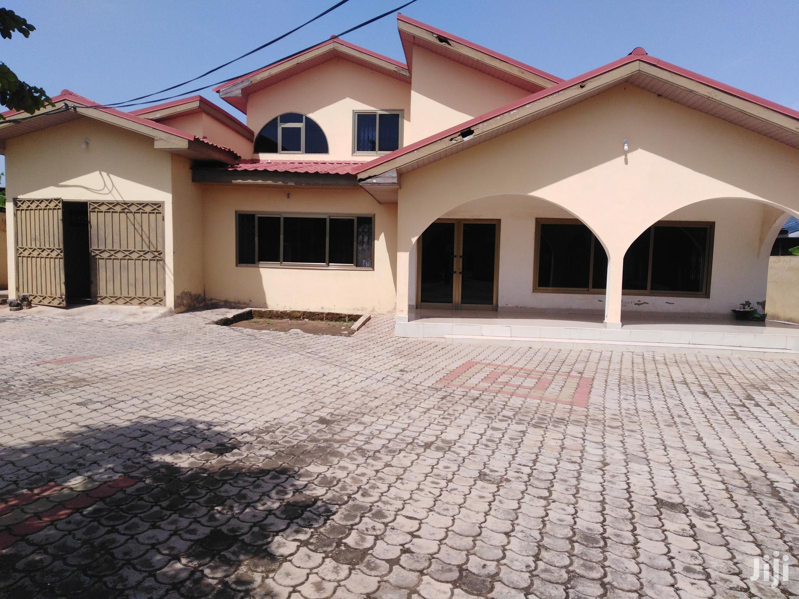 5 Bed Rooms for Rent