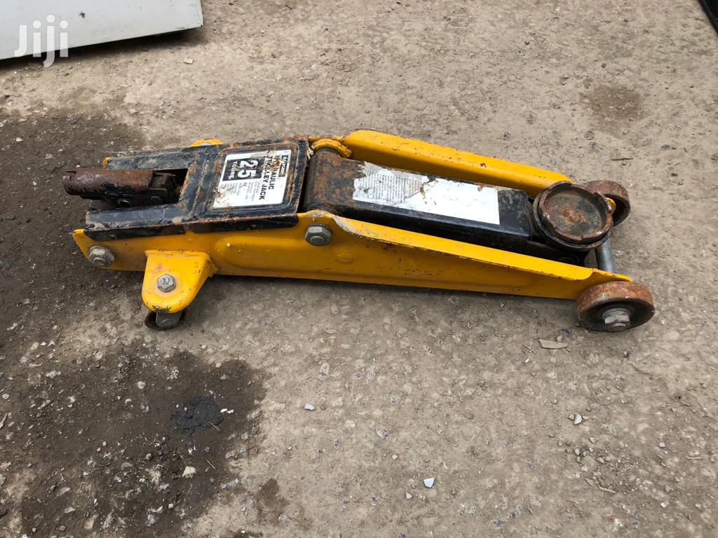 25 Tonne Jack   Vehicle Parts & Accessories for sale in Awutu-Senya, Central Region, Ghana
