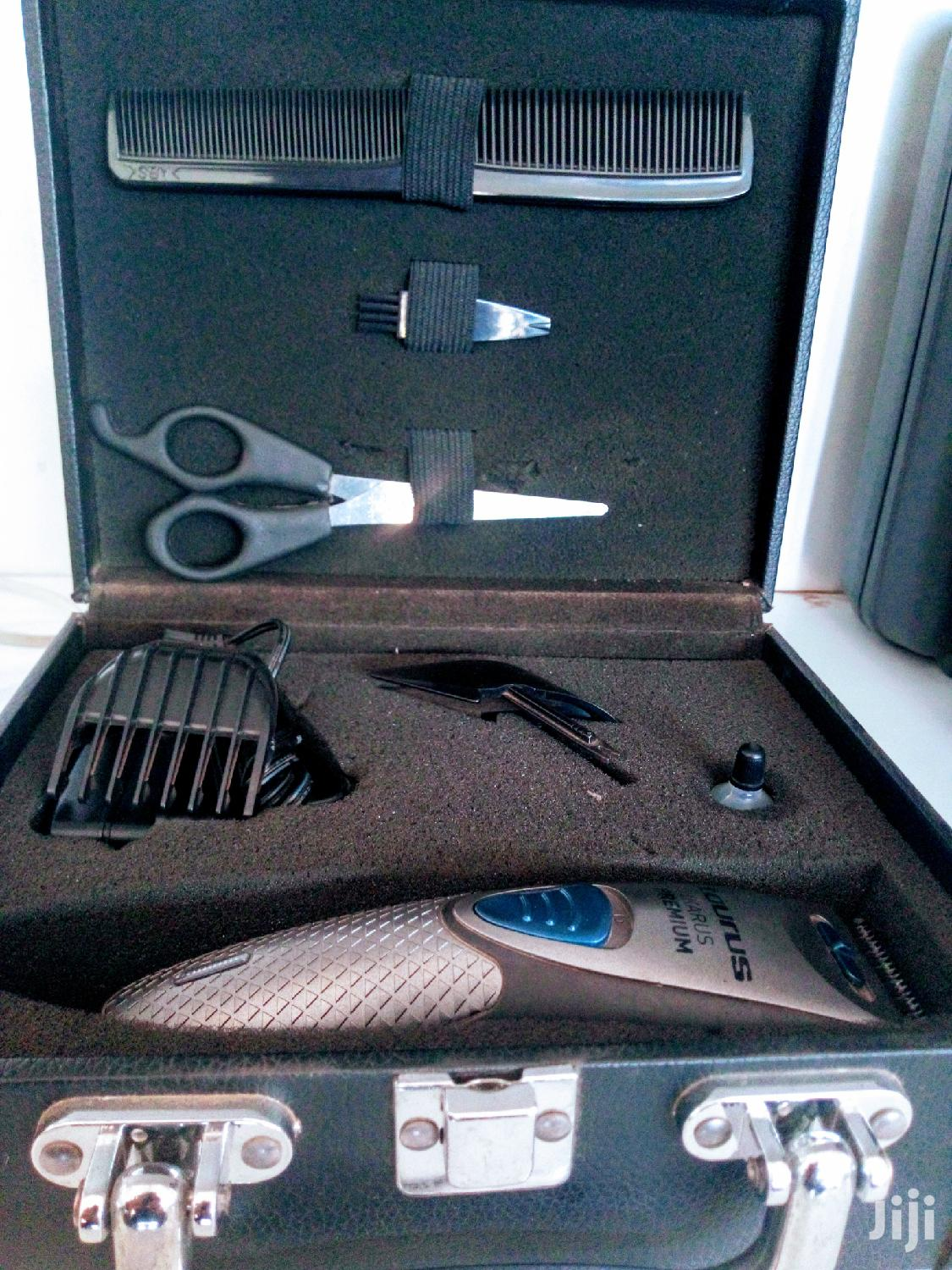 Archive: Rechargable Taurus Ikarus Premium Hair Clipper