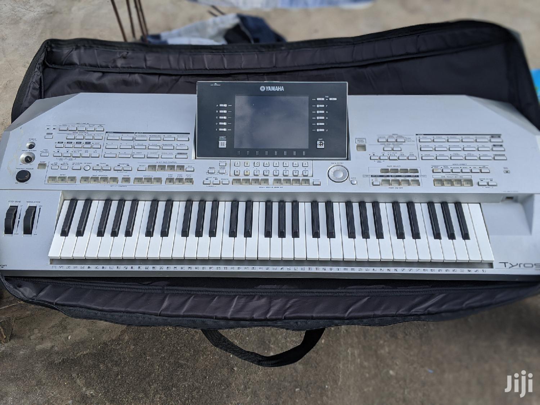 Yamaha Tyros 2 Keyboard
