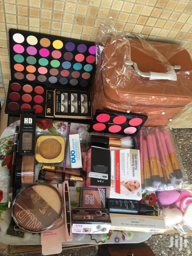 Archive: Personal Make Up Kit
