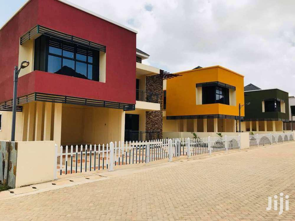 Archive: 4 Bedroom Townhouse Forsale At East Legon Hills