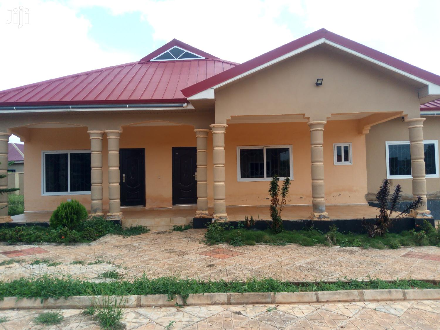 3 Bedroom Apartmnet Self Contained | Houses & Apartments For Sale for sale in Sunyani Municipal, Brong Ahafo, Ghana
