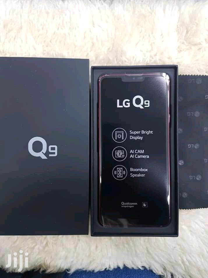New LG Q9 64 GB Black