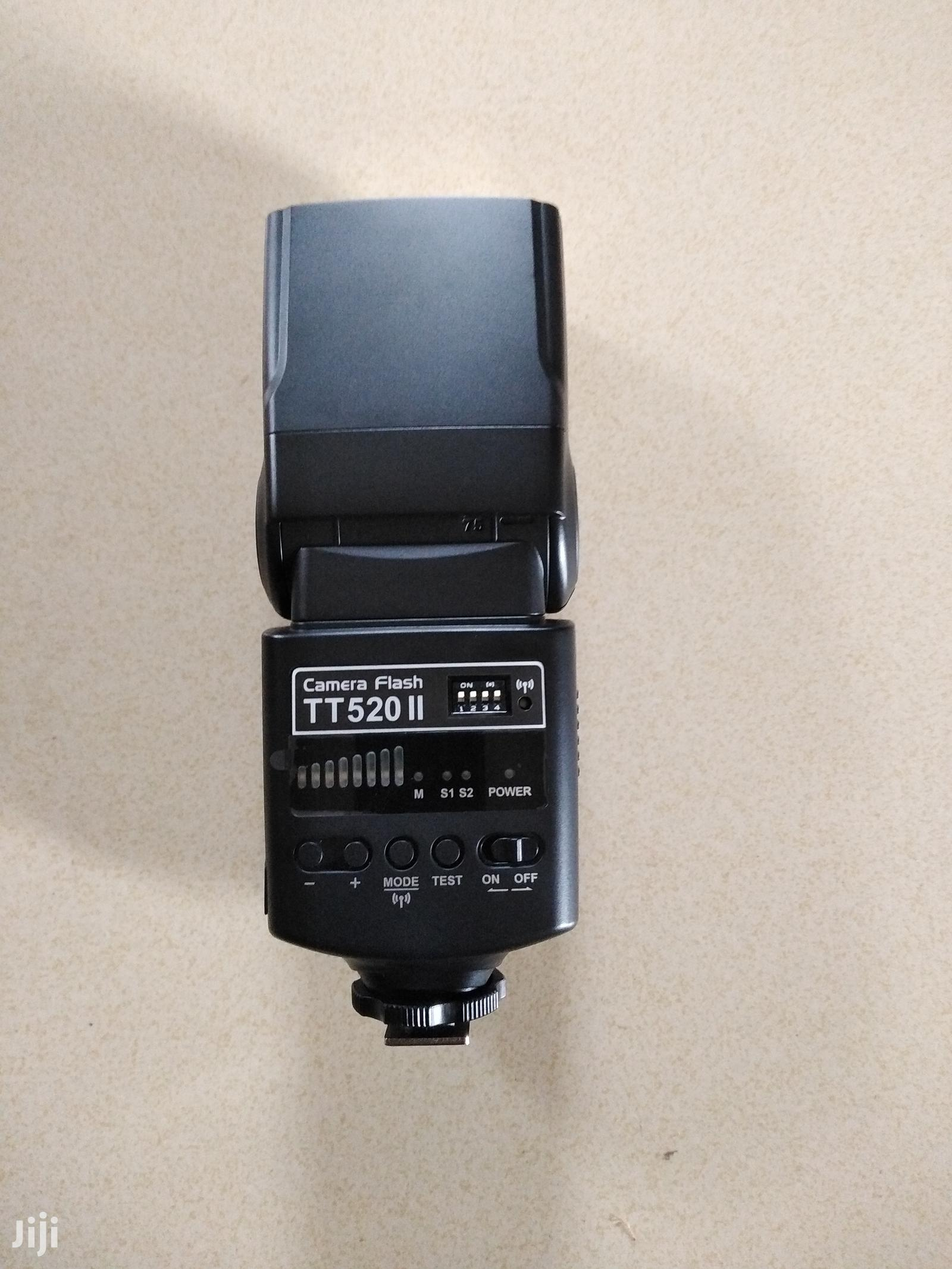 Speed Flashlight Godox TT520 II With Trigger | Accessories & Supplies for Electronics for sale in Bubuashie, Greater Accra, Ghana