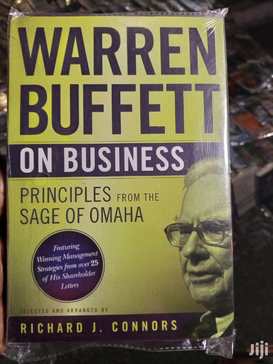 Warren Buffet On Business (Principles From The Sage Of Omaha)