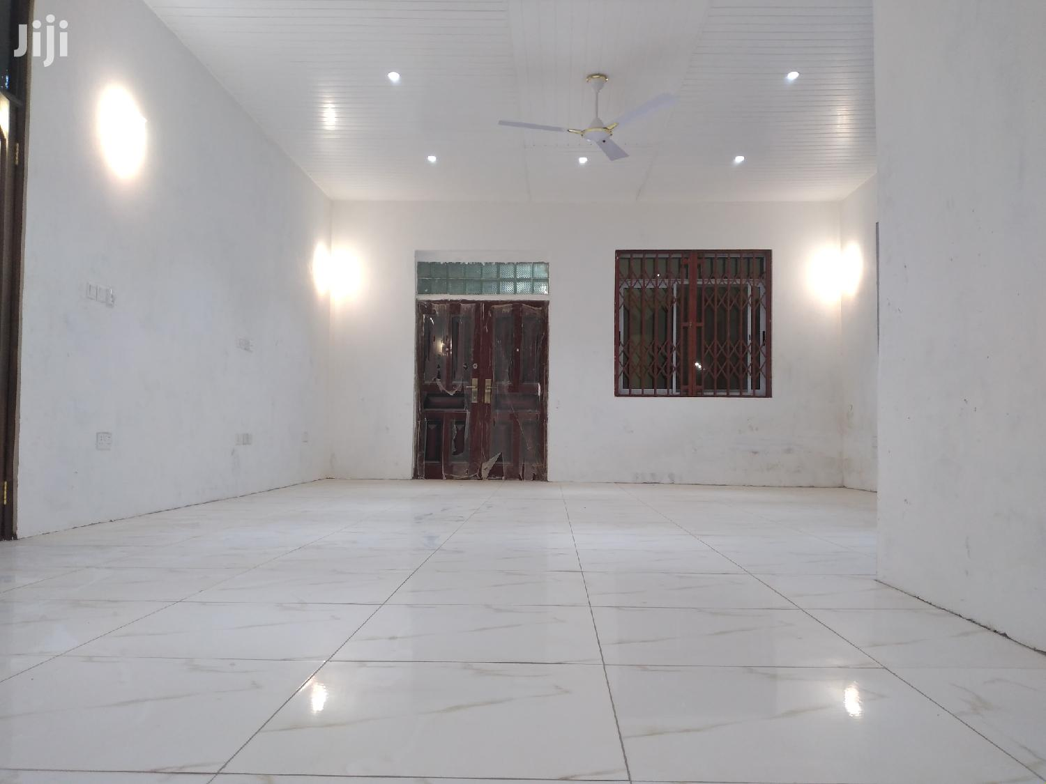 3 Bedrooms Apartment for Rent at Oyibi