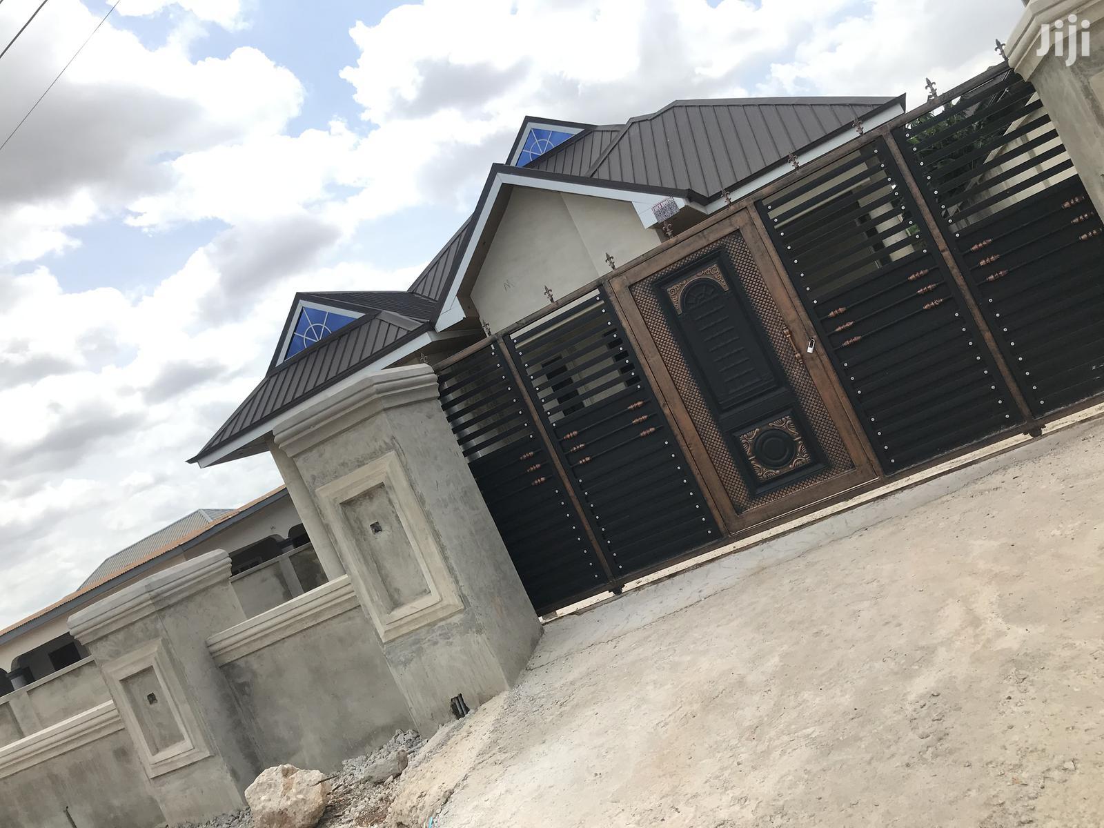 House For Sale At Santasi Atasamanso
