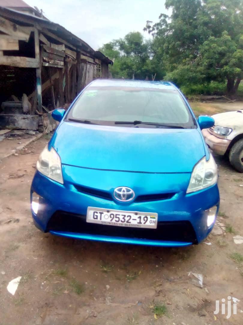 Archive: Toyota Prius Three 2013 Blue