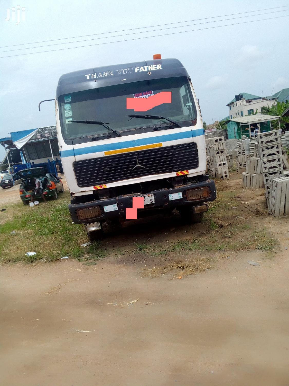 Selling Benz Articulater Truck in Kasoa