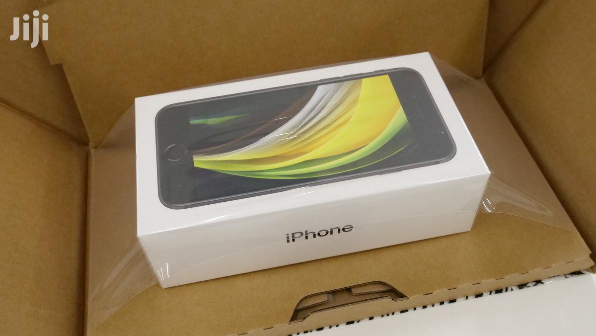 New Apple iPhone SE (2020) 64 GB Black
