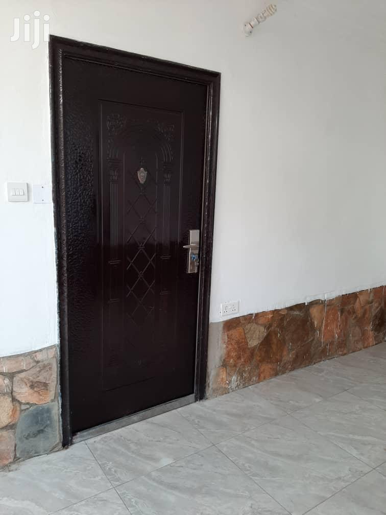 Archive: Single Room Self Contain for Rent at School Junction Dzor