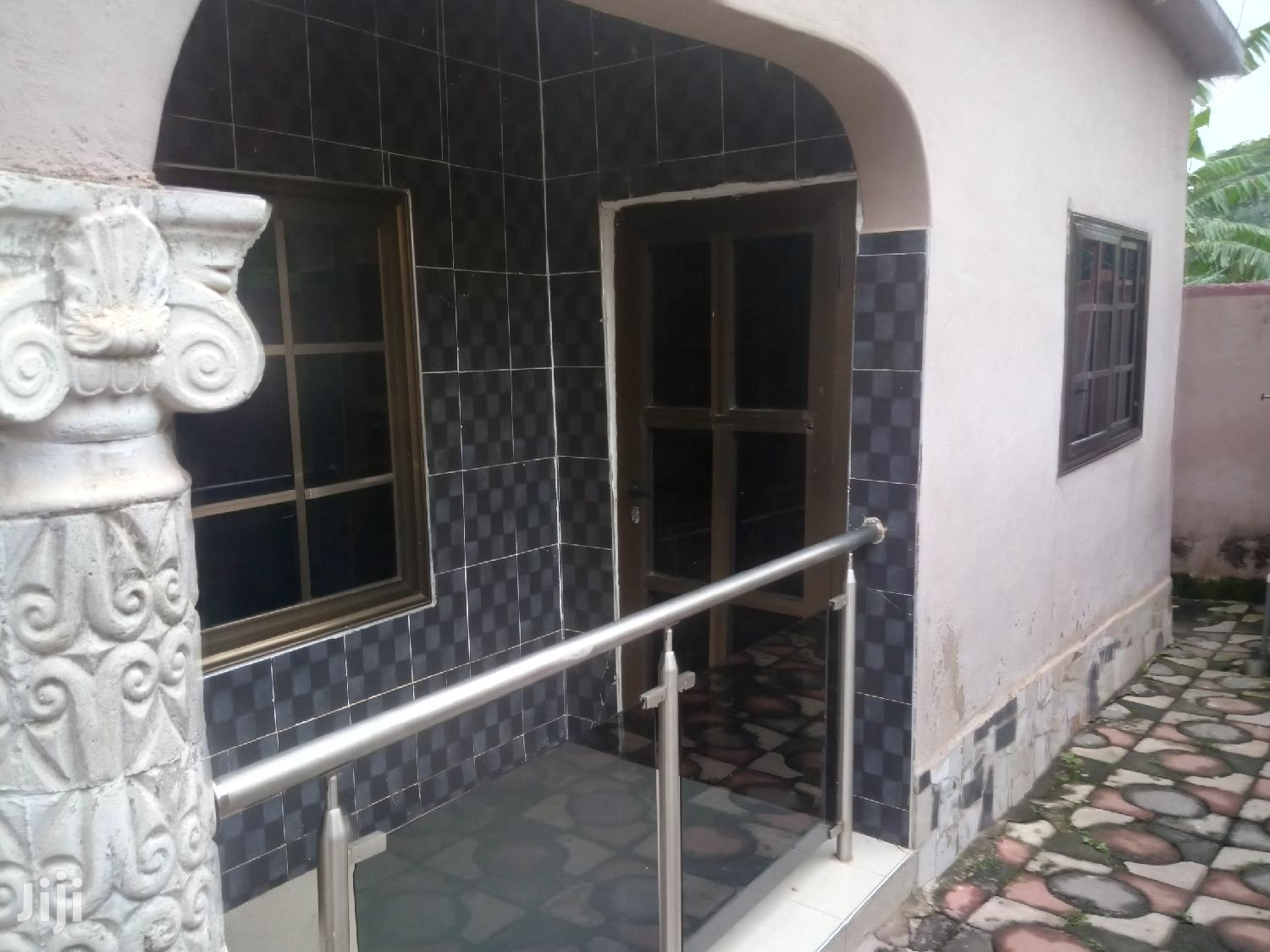 Executive 2 Bedroom Flat in Prime Area