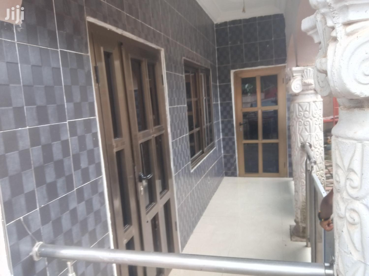 Executive 2 Bedroom Flat in Prime Area | Houses & Apartments For Rent for sale in Obuasi Municipal, Ashanti, Ghana