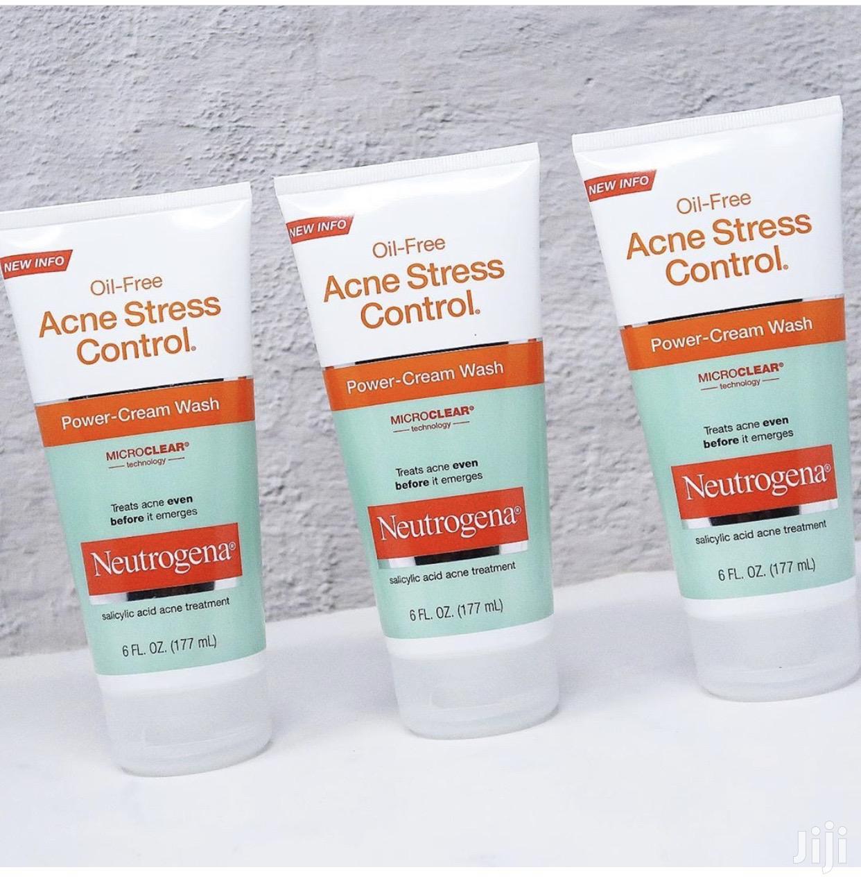 Neutrogena Oil-free Acne Stress Control Power-cream Face Wash