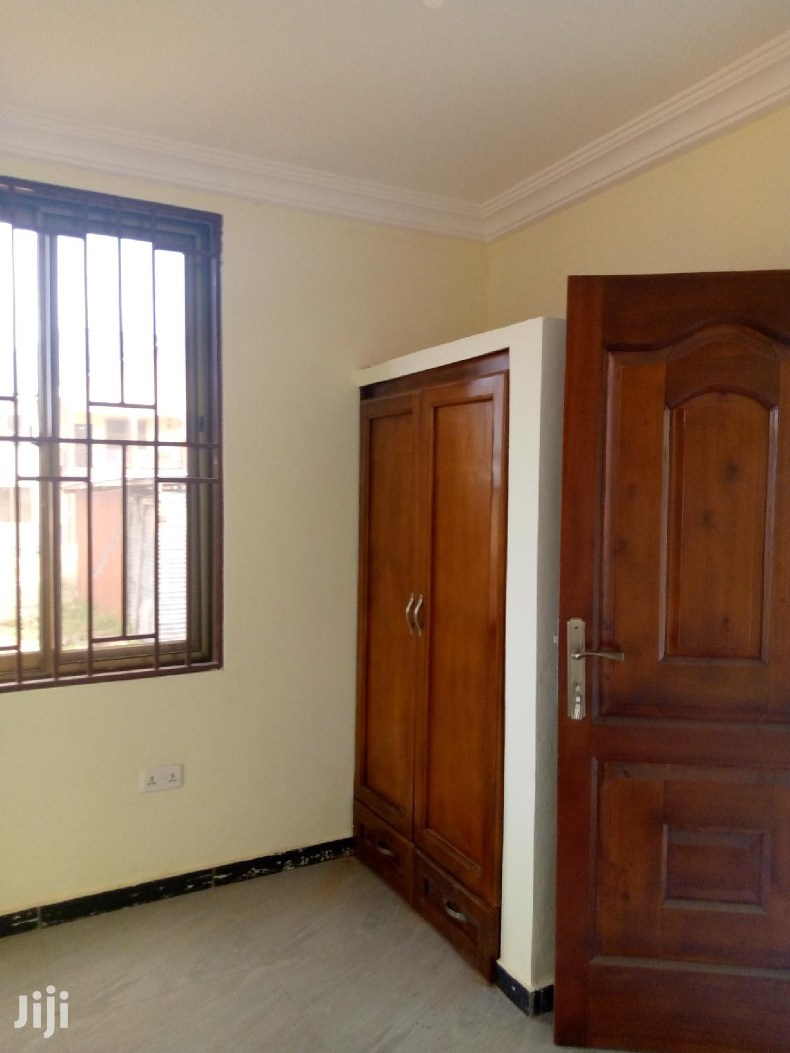 Archive: New Chamber And Hall Self Contain At Lakeside