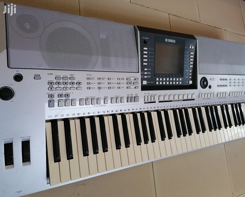 YAMAHA PSR-S710 Professional Electronic Keyboard