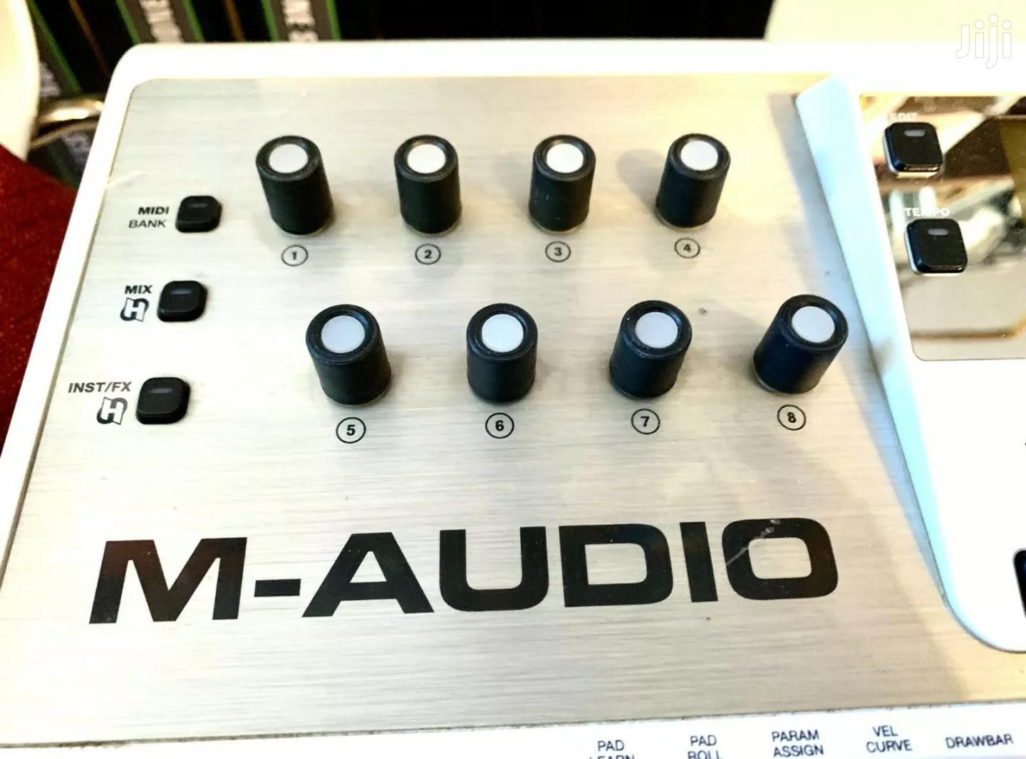 M Audio Axiom Air 49