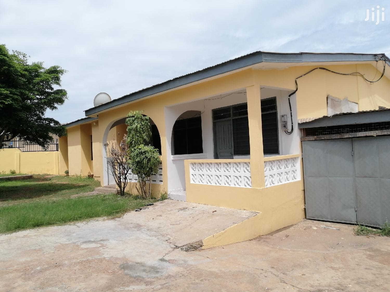 4 Bedroom For Rent At Tema Com. 3