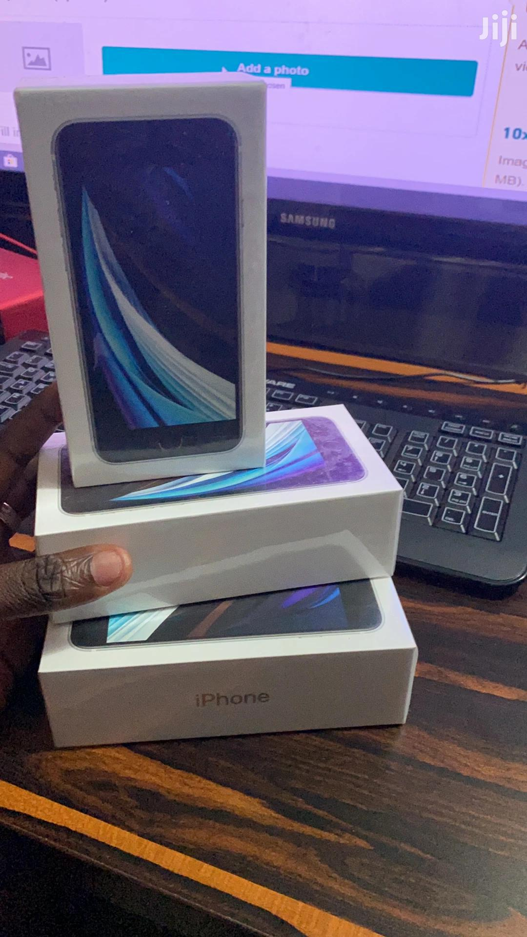 New Apple iPhone SE (2020) 64 GB White