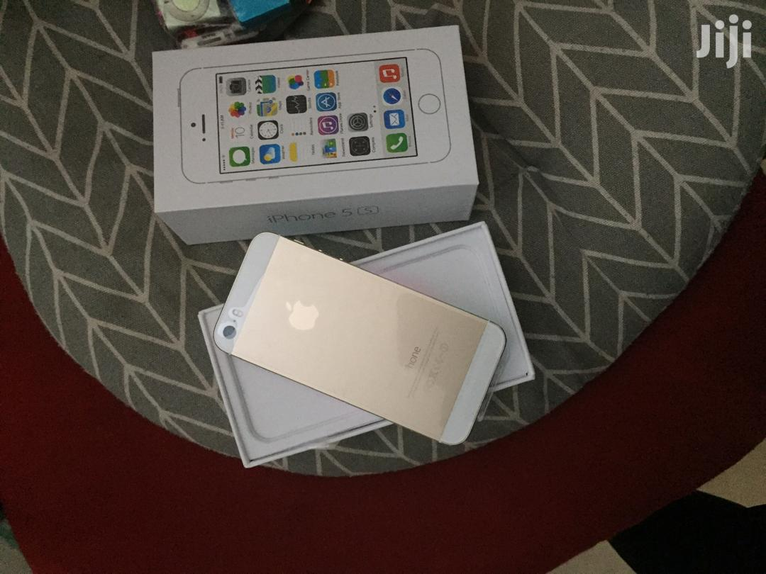 Archive: New Apple iPhone 5s 16 GB White