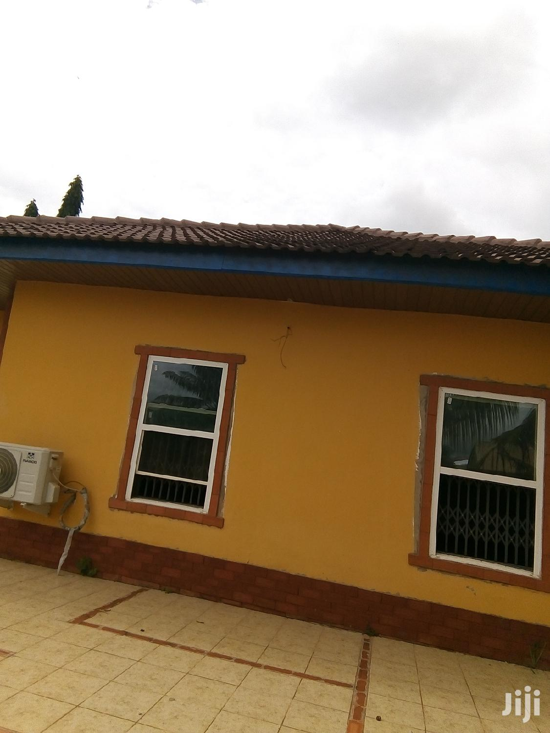 Archive: Three Bedrooms House Is On Sale At Darban