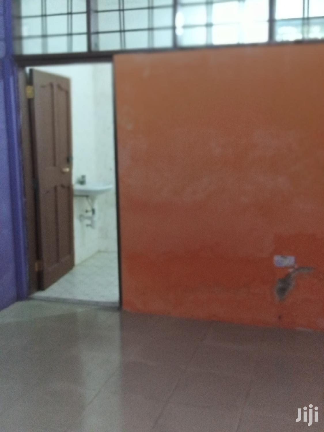 Spacious Single Room for Rent at Spintex Com18