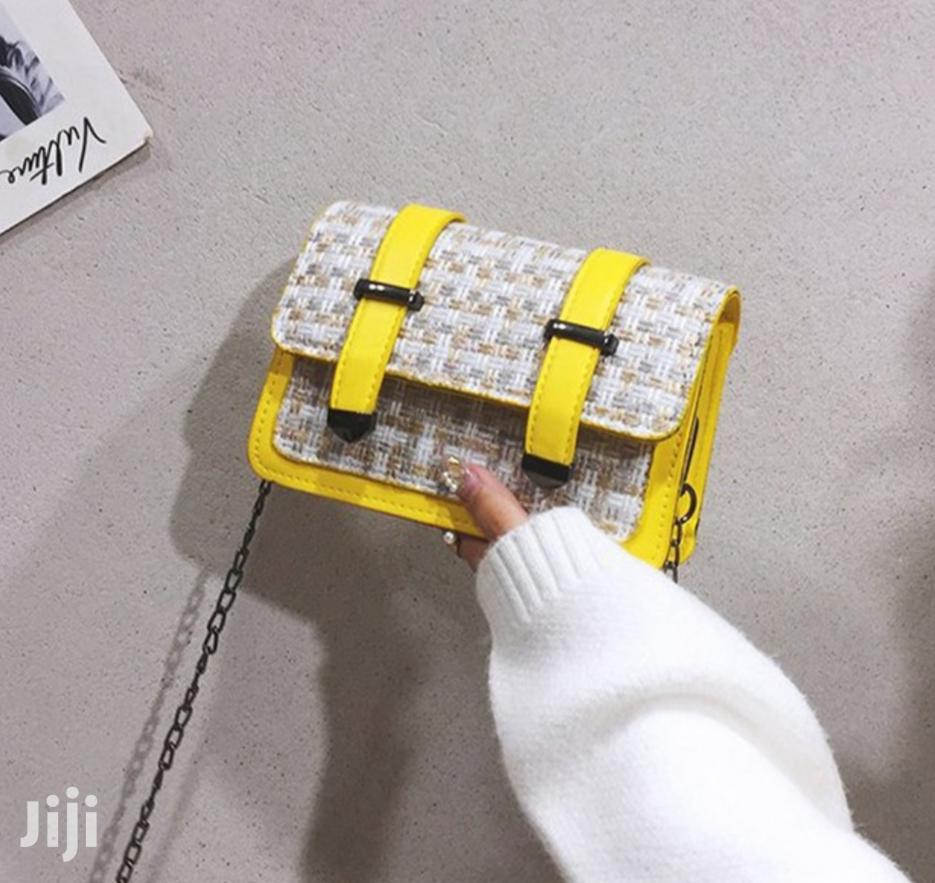 Women Designer Straw Leather Bag(Black/Yellow)