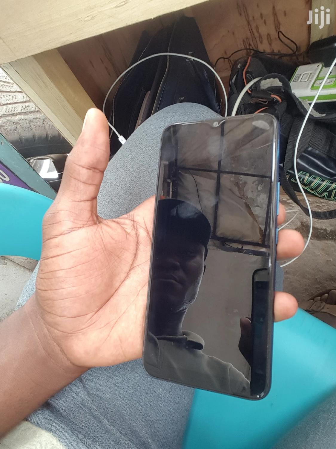 Archive: Infinix Hot 8 32 GB Blue