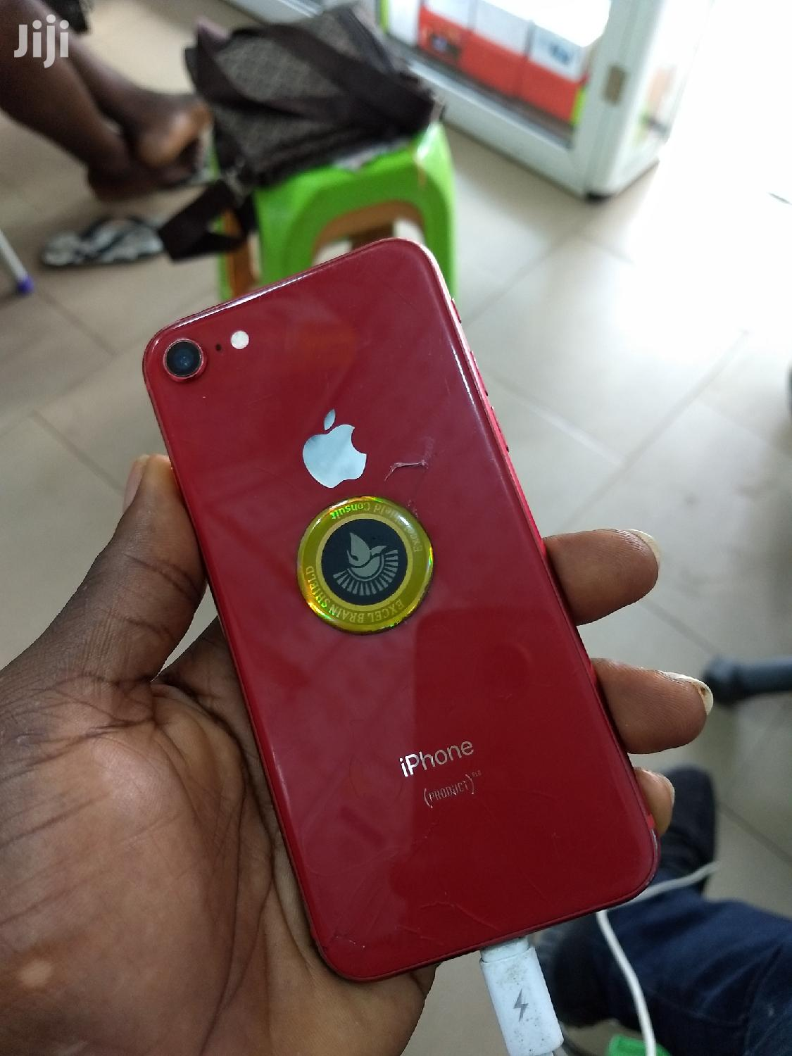 Archive: Apple iPhone 8 64 GB Red