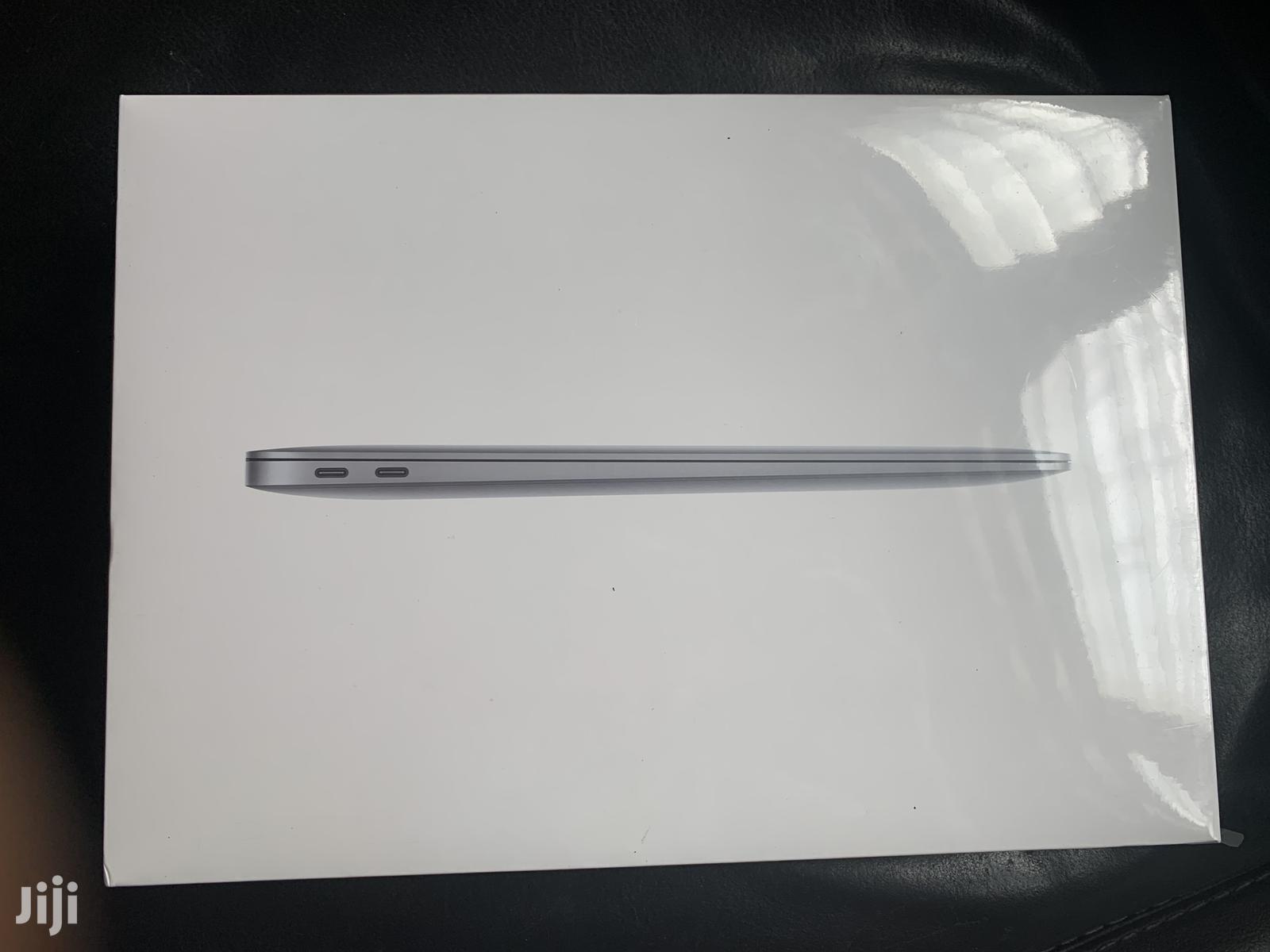 New Laptop Apple MacBook Air 8GB Intel Core i5 SSD 512GB