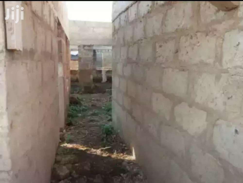 Archive: 6 Bedrooms House at Atonsu Aputuogya Lake Road -Kumasi.