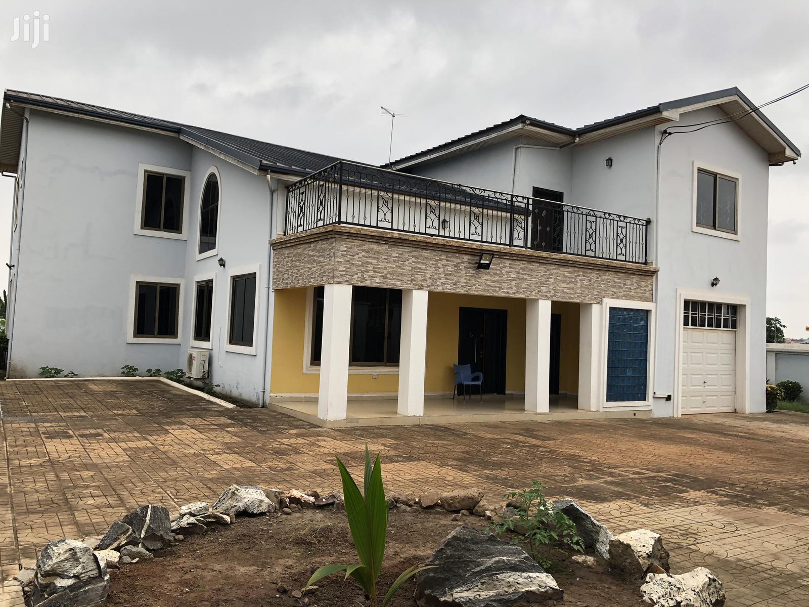 Executive 6 Bedroom House For Rent