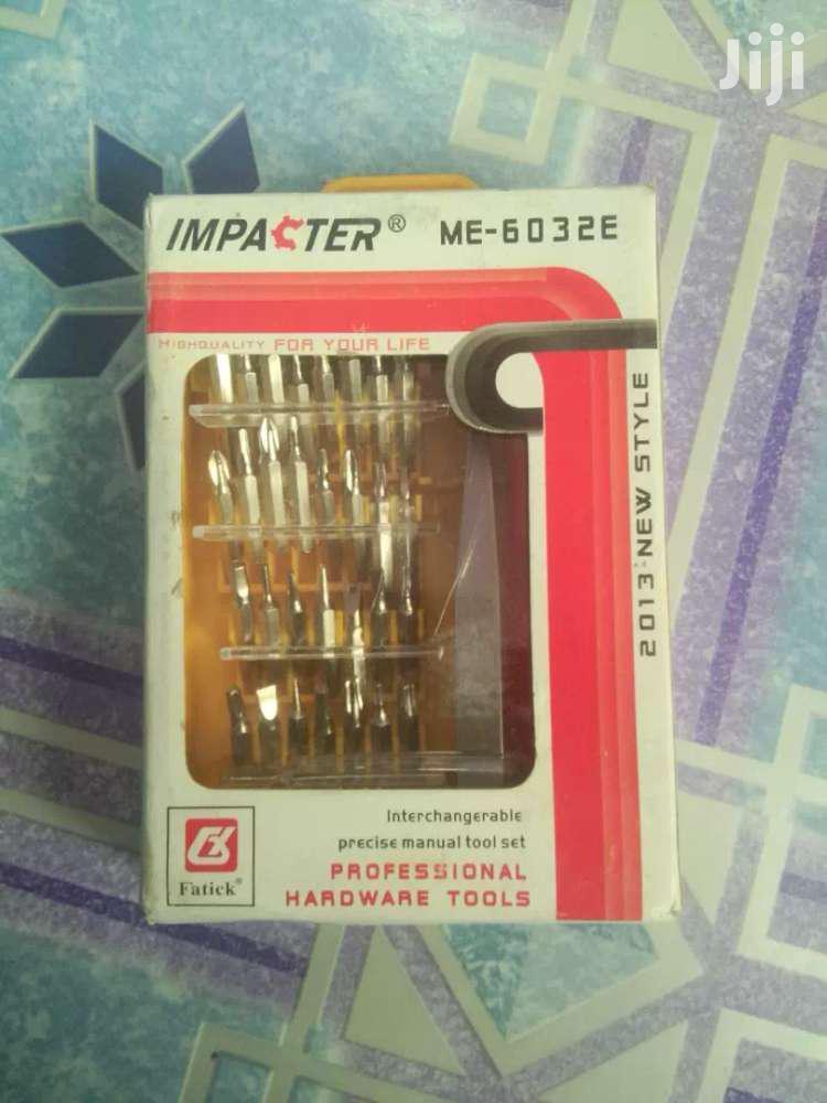 Set Electronics Repair Tools