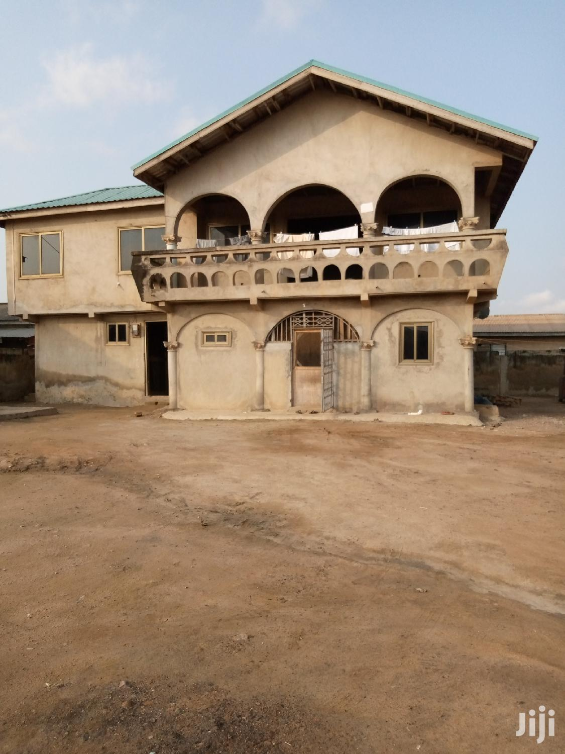 Storey Building Flat For Quick Release