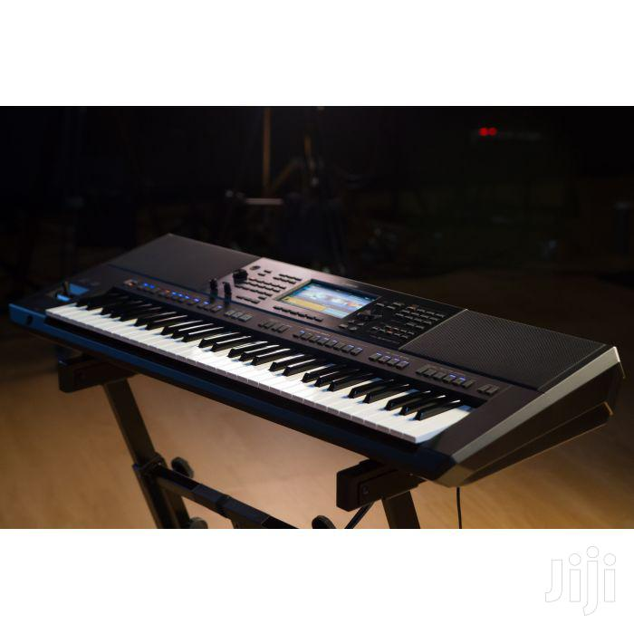 Yamaha PSR SX900 Workstation Arranger Keyboard