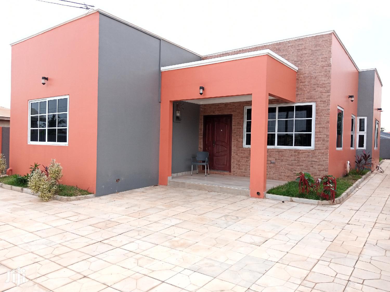Newly Built 3 Bedroom House At Adenta-frafraha Selling