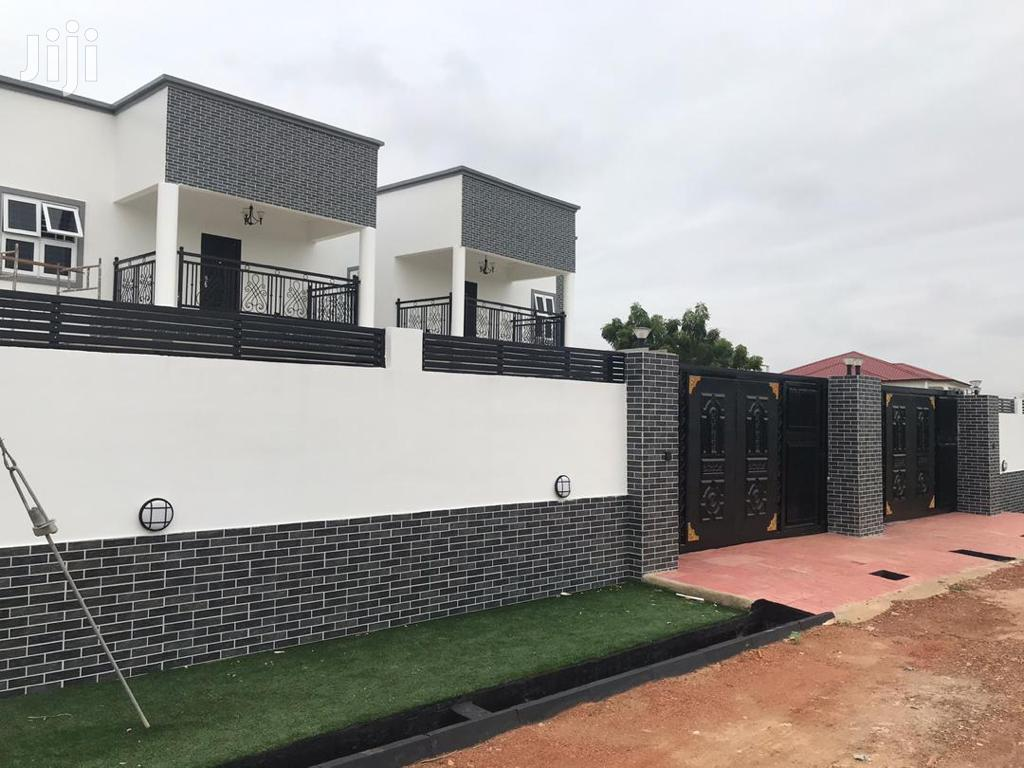 Newly Built Executive 4 Bedroom Is Up For Sale At Lakeside