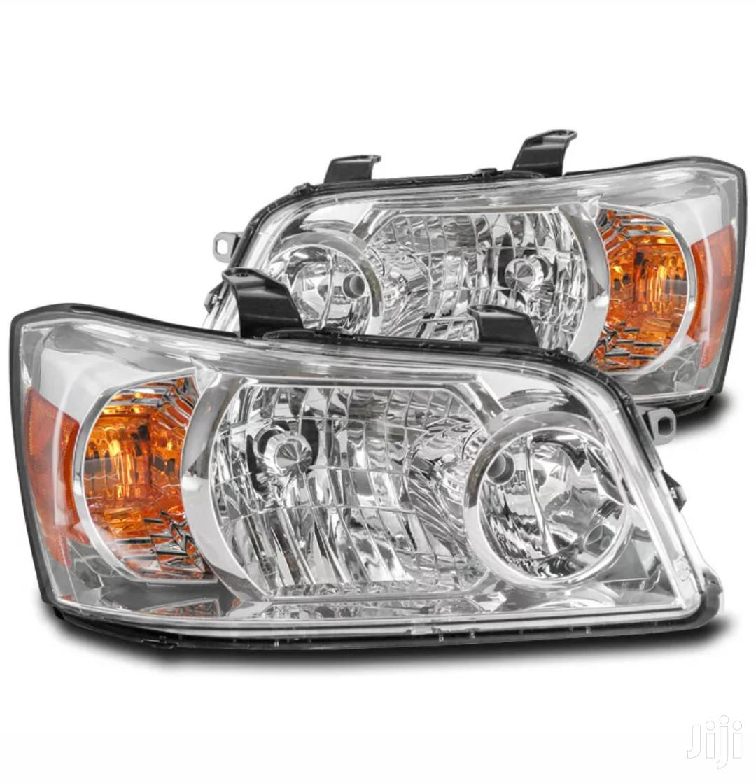 Toyota Hilux 2004-2006 Headlight Pair | Vehicle Parts & Accessories for sale in Abossey Okai, Greater Accra, Ghana