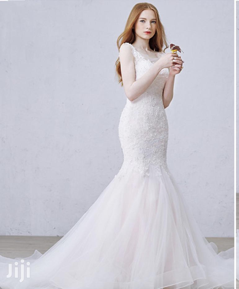 Classic Wedding Gown With Free Veil