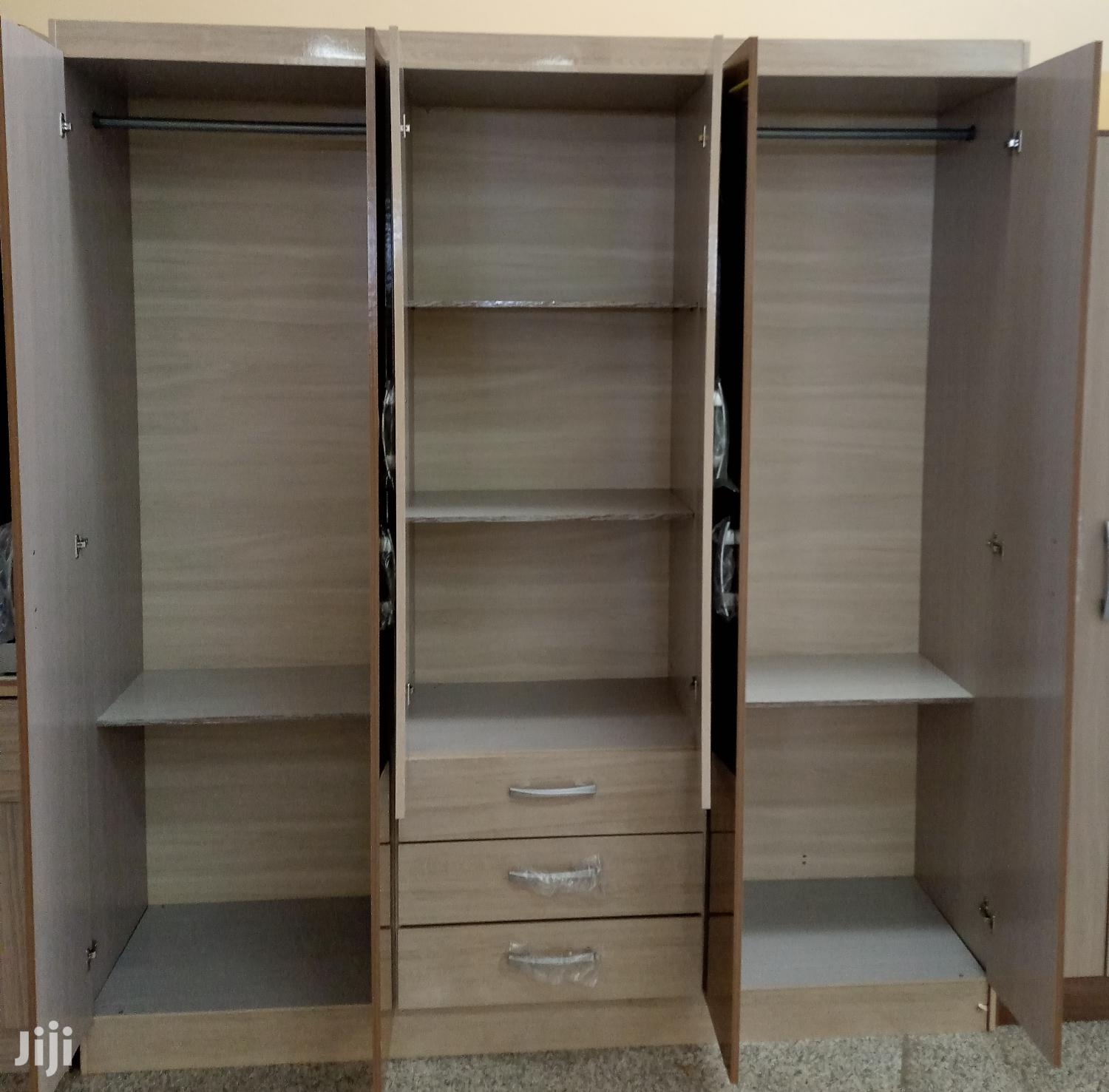Archive: Wardrobe 6 Doors 3drawer